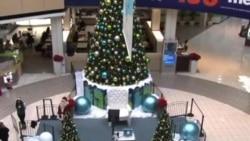 不同族裔圣诞老人在洛杉矶大受欢迎