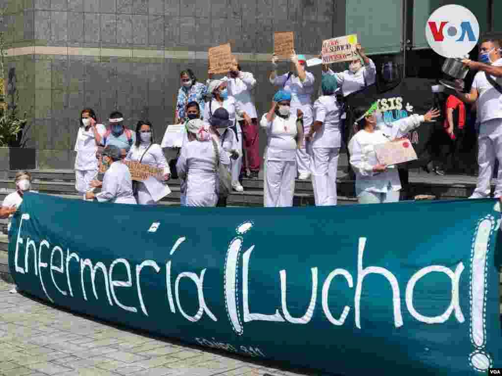El sueldo actual es de menos de un dólar, a cambio oficial. Al igual que otros sectores, los enfermeros venezolanos piden un mejor suelo en dólares. Foto: Álvaro Algarra, VOA.