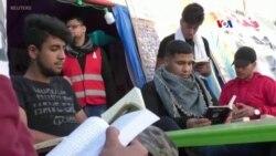 Իրաքում ցուցարարներն ազատ ժամանակն անցկացնում են վրանային գրադարանում