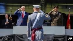 پرزیدنت ترامپ در مراسم فارغالتحصیلی آکادمی نظامی وست پوینت