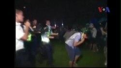 Phẫn nộ về video cảnh sát Hồng Kông đánh người biểu tình