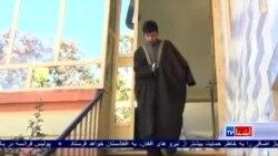 پولیس افغان با آنکه دستانش را ازدست داده، خدمت میکند