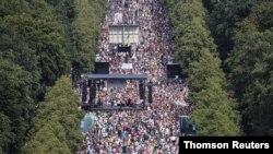 გერმანელების პროტესტი მტავრობის მიერ დაწესებული შეზღუდვების წინააღმდეგ, ბერლინი, 2020 წლის 1 აგვისტო