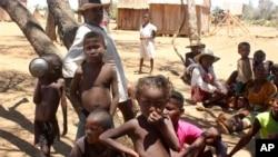 Watoto wanavyoonekana kutoka kijiji kimoja huko Madagascar