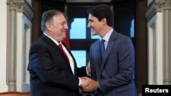 캐나다를 방문한 마이크 폼페오 미국 국무장관이 22일 오타와에서 저스틴 트뤼도 캐나다 총리와 회담했다.