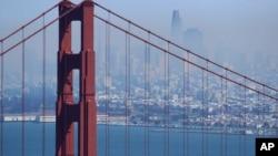 ຮູບພາບຂອງນະຄອນແຊນແຟຣນຊິສໂກ ທີ່ມອງຈາກຂົວ Golden Gate.