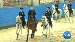 Poutine à cheval pour rendre hommage à des femmes policières