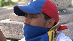 Venezuela jóvenes encadenados