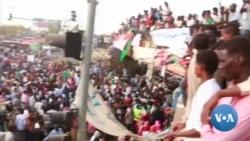 Les manifestants soudanais mettent la pression aux militaires