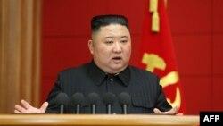 ڕابەری کۆریای باکوور کیم جۆنگ ئون