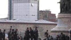 土耳其警察对塔克西姆广场进行清场