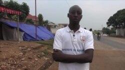 Les étudiants burundais avant d'être chassés devant l'ambassade américaine à Bujumbura