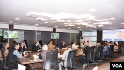 Journalists were briefed at Pakistan established National Command Operation Center (NCOC) to fight COVID-19, April 29, 2020. (Ayaz Gul/VOA)