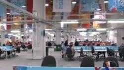 索契主新闻中心成为繁忙的媒体枢纽