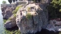 Скок во Охридското Езеро од 10 метри
