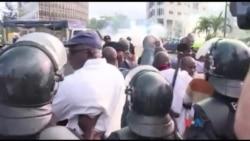 Des leaders de l'opposition interpellés suite à une manifestation contre le projet de nouvelle Constitution en Côte d'Ivoire (vidéo)