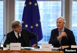 Glavni pregovarač EU za Bregzit Mišel Barnije (desno) i Gaj Verhofštat, koordinator grupe za vođenje Bregzita u Evropskom parlamentu (Foto: Reuters)