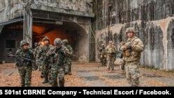 주한미군이 지난해 11월 한국군과 진행한 연합훈련 사진을 페이스북에 공개했다. 사진 제공: US 501st CBRNE Company - Technical Escort / Facebook.