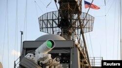 미 해군 함정에 설치된 레이저 무기 체계 (자료사진)
