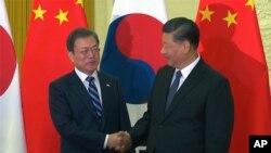문재인 한국 대통령과 시진핑 중국 국가주석이 지난 2019년 12월 베이징 인민대회당에서 회담했다.
