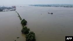 An aerial view shows the swollen Yangtze River in Jiujiang, in China's central Jiangxi province, on July 17, 2020.