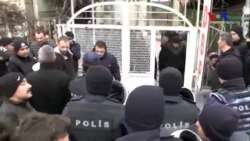 Heykel Protestosuna Polis Engeli