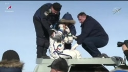 Astronauta Christina Koch aterra no Cazaquistão