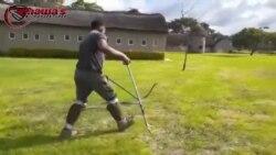 Chawatama Marimo Catching A Snake