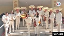 El grupo mariachi Águilas de México ejecutó un cambio en la dinámica de sus servicios con motivo de este Día de la Madre.
