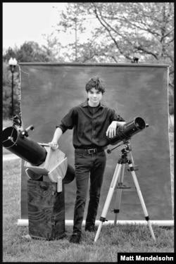 High school senior Jonathan Saldana poses for a portrait by photographer Matt Mendelsohn.