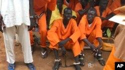 Para tahanan di penjara pusat di Ibu Kota Sudan Selatan, Juba.