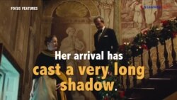 Học tiếng Anh qua phim ảnh: Cast a very long shadow - Phim Phantom Thread (VOA)