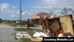 Kamper oštećen u oluji (Foto: Michelle Lee)
