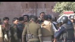پشاور میں مسجد پر حملے کے بعد کے مناظر