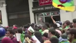 Manifestation étudiante après un discours du chef de l'armée