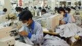 Tình trạng bùng phát dịch COVID-19 gây thiếu hụt lao động tại Việt Nam do giãn cách xã hội.