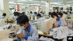 Công nhân may Việt Nam.