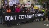 Մեծ Բրիտանիայի Գերագույն դատարանը լսում է Ջուլիեն Ասանժին ԱՄՆ-ին արտահանձնելու հարցը