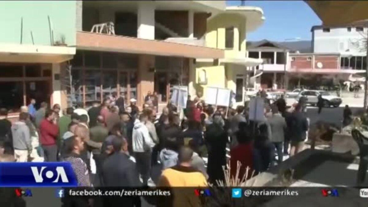 Protestë në qytezën e Këlcyrës kundër prishjes së objekteve