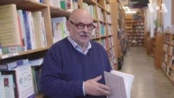 Українець створив книжкову крамницю, що стала однією з найбільших у світі. Відео