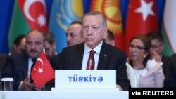 Турецький президент Реджеп Таїп Ердоган на зустрічі керівників організації тюркських країн в Азербайджані. Баку 15 жовтня 2019 р.