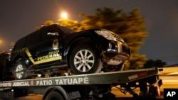 واردات میں استعمال ہونے والا جعلی پولیس ٹرک