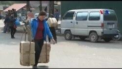 Những cửu vạn trên cửa khẩu Việt - Trung