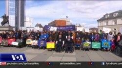 Kosovë, shënohet dita botërore e njerëzve në karrocë