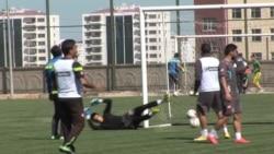 Kurdish Football Team Helps War-Torn City Cope
