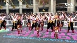 Український ансамбль взяв участь у параді до Дня подяки. Відео
