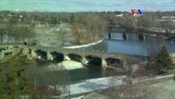 Latinos entre los afectados por agua contaminada en Flint