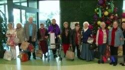 Як група вихідців з країн колишнього Радянського Союзу зробила різдвяний сюрприз дітям місцевої лікарні. Відео