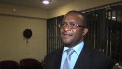 穆加貝的選舉對手撤回法庭申訴