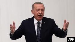 Presiden Turki Recep Tayyip Erdogan berbicara di Ankara, Selasa (1/10).